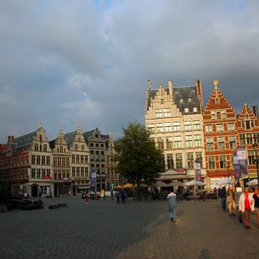 Das Stadtzentrum ist weitgehend historisch erhalten, hier der Große Markt