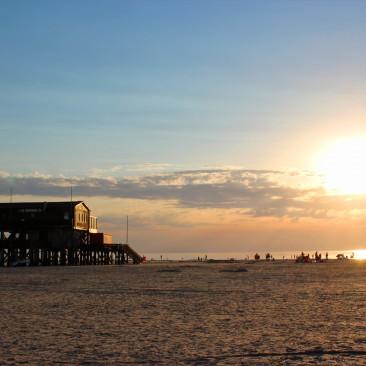 Der Strand von Sankt Peter-Ording bei Sonnenuntergang