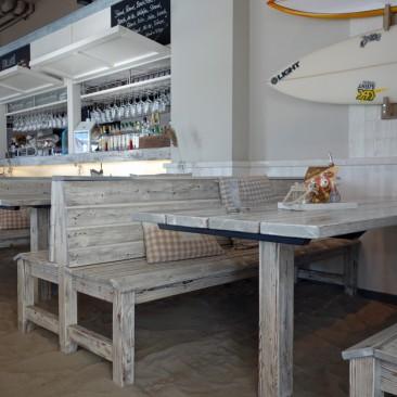 Sandboden im Restaurant Dii:ke, Flip Flops erlaubt