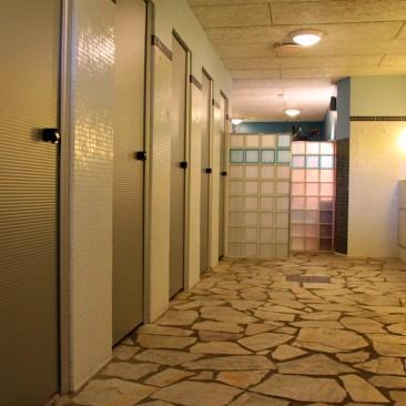 Eines der Sanitärhäuser - alles sauber - alles gut