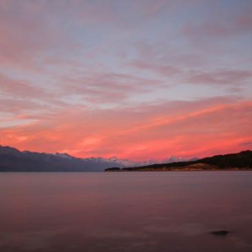 Im Hintergrund Mount Cook, 3724m