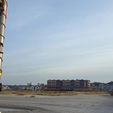Der Blick auf die Hotels von der Seebrücke Heiligenhafen aus
