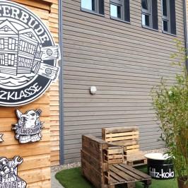 Bretterbude Heiligenhafen – Holzklasse