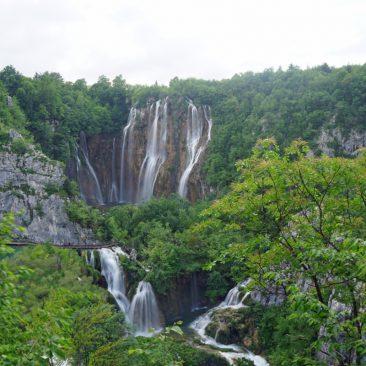 Wasserfälle an jeder Ecke: Mega